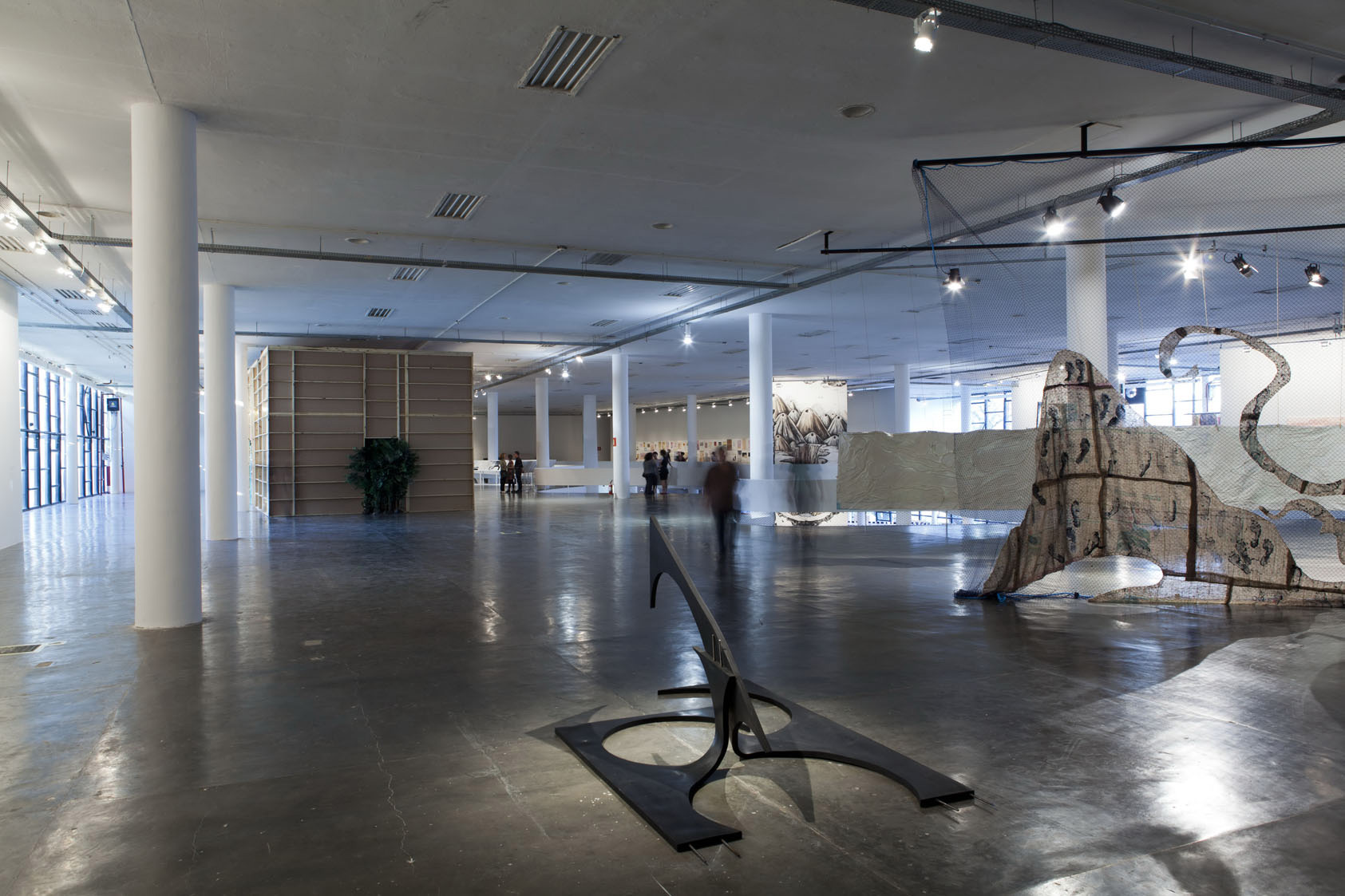 Sculpture AGORAMAQUIA, by Asier Mendizabal, is exhibited at the Sao Paulo Biennial