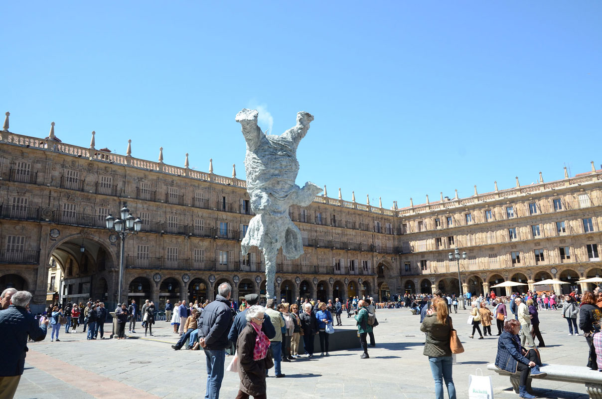GRAN ELEFANDRET, Miquel Barceló. Bronze. Installed in the Plaza Mayor of Salamanca