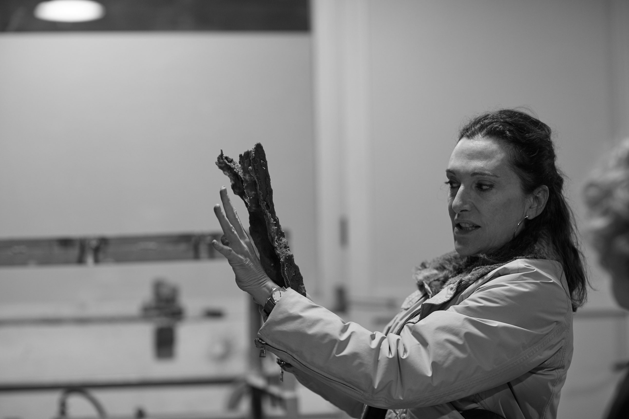 Cristina Iglesias working in Alfa Arte, project ARROYOS OLVIDADOS - FORGOTTEN STREAMS. Bronze. For Bloomberg Place, London