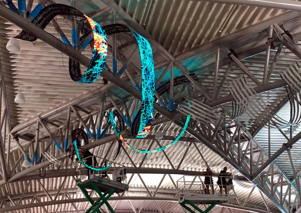 Daniel Canogar - Alfa Arte, project TENDRIL. Sculpture installed at the Tampa airport, USA