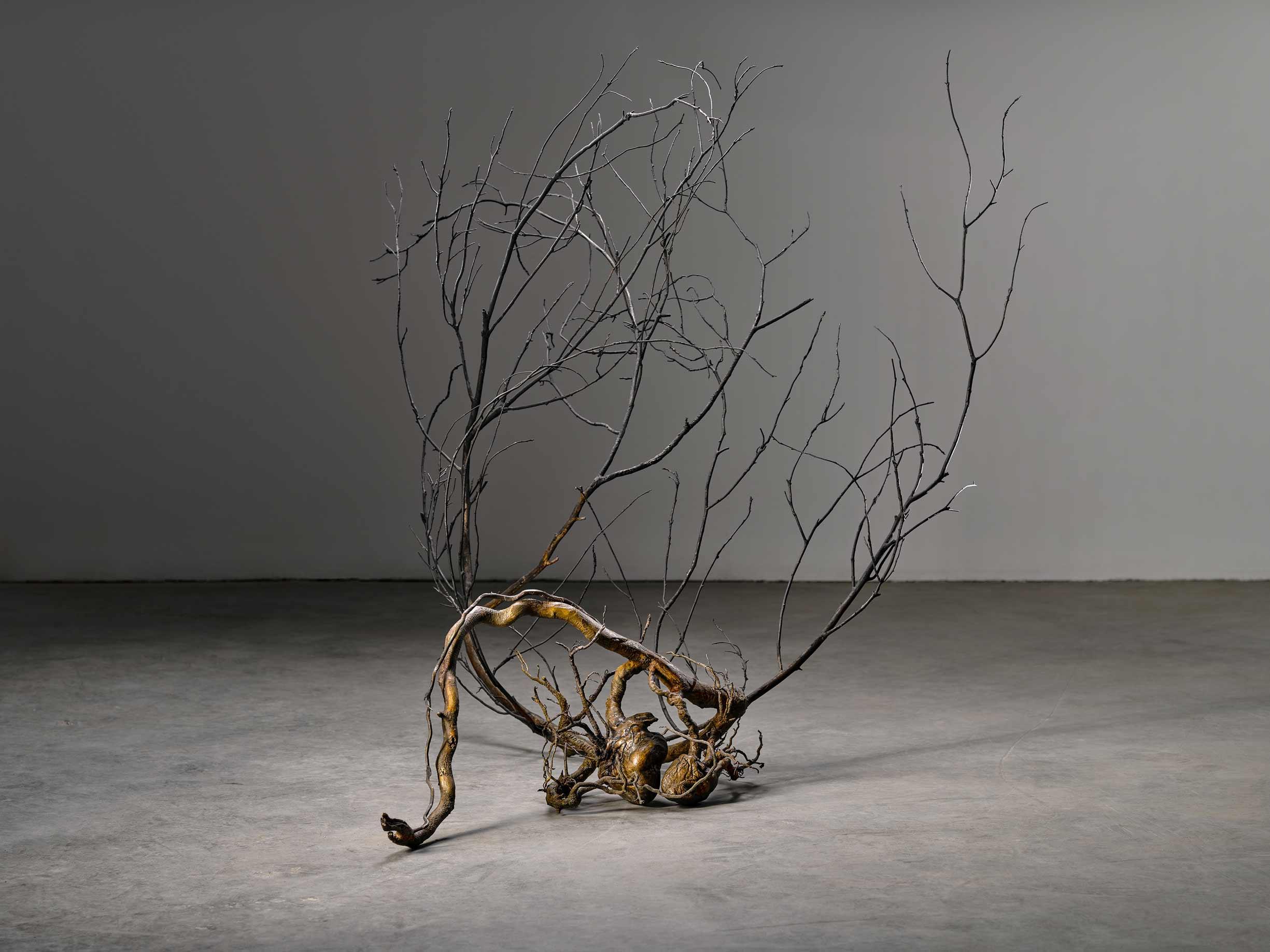 Doble Latido, obra del escultor Javier Pérez, en bronce y acero inoxidable, realizada en Alfa Arte